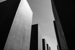 Schattenseiten 2 (Architekturversuche in Berlin)