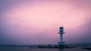 Morgenrot mit Leuchtturm (Morgens am Strand)